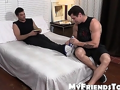 Sexy hunk Trenton Ducati loves to lick and suck sexy feet