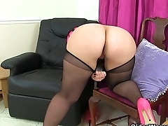 British milf Summer Investor Lee makes her nyloned pussy squirt