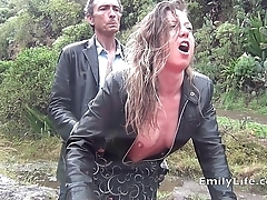 blowjob and sex in the rain with amateur MILF Emily, all my real amateur pics an