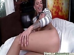Amatuer With Knockers Getting Cumshot