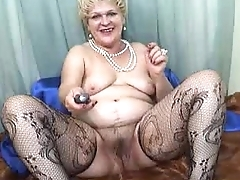 Hairy Pussy Granny Squirting Sara Spreads Her Hairy Pussy