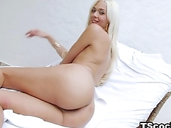 Well hung TS Britney Colucci loves anal