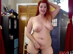 Curvy redhead girl next door Kaylee Pond masturbates