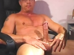 Hung daddy cums